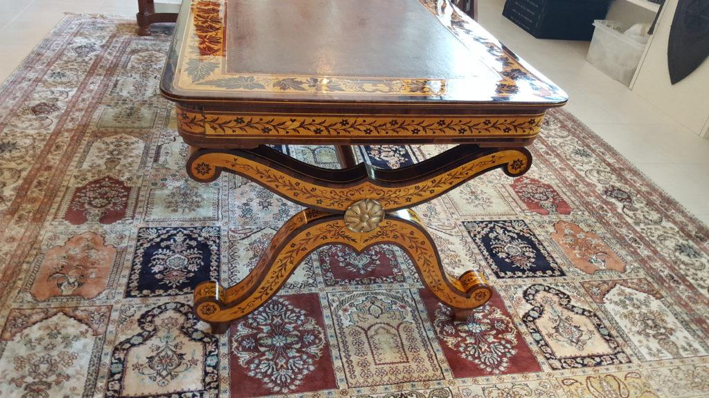 Résultat final après la restauration d'un meuble Charles X