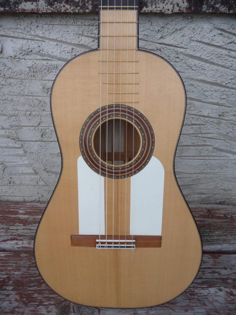 Guitare ancienne